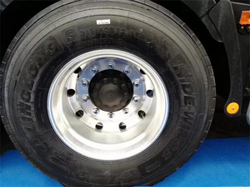 玲珑轮胎荣获汽车厂三项大奖!