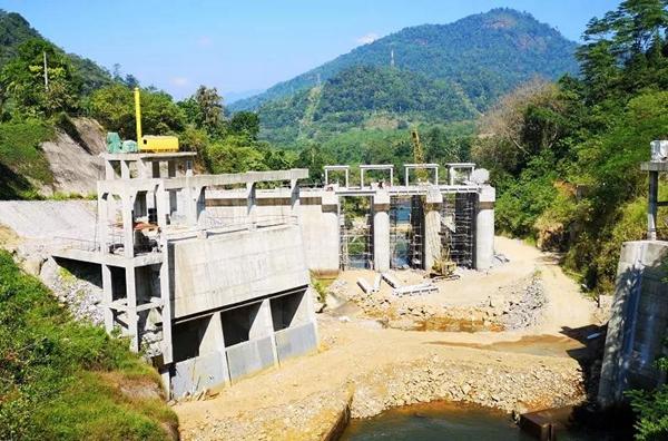 """厚盾积极响应""""一带一路""""倡议 不畏艰险远赴斯里兰卡部署项目"""